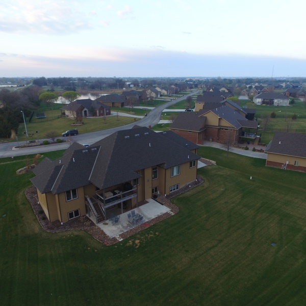 Roy Real-Estate, Backyard