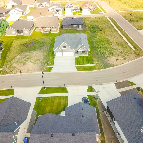 Front Yard 100 ft