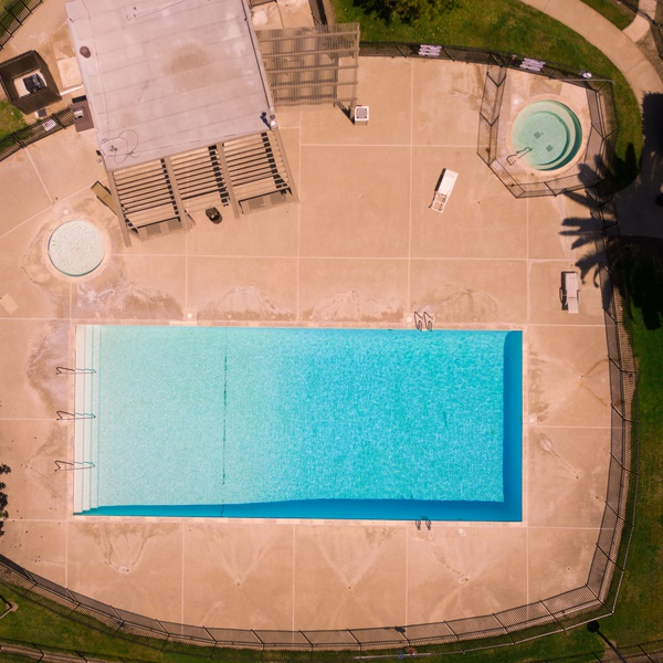 Pool & Community Center for Professional Real Estate Listing