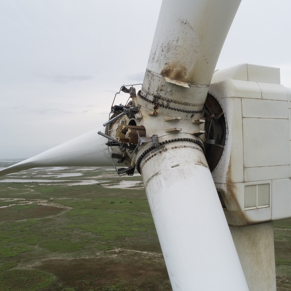 Wind Turbine Hub Section Damage