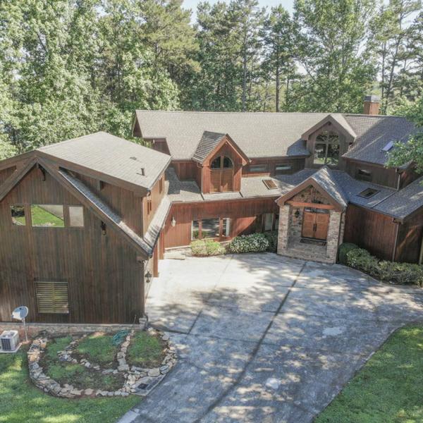 Luxury Lake Home - Dawsonville, GA