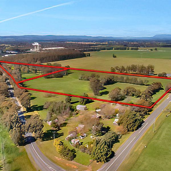 Real Estate - Land Parcel Boundary Lines