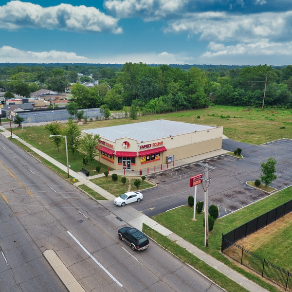 Retail lot footage for NNN Retail Investment Group